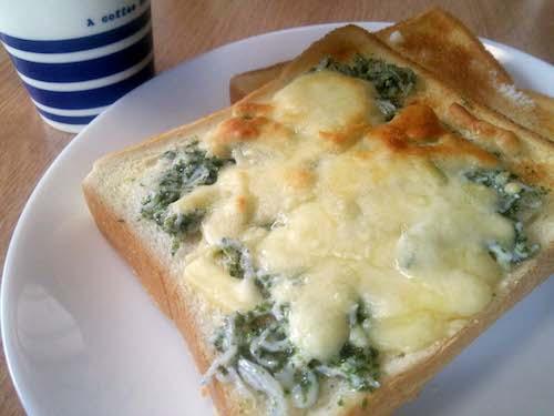 シラスと青海苔のチーズトースト